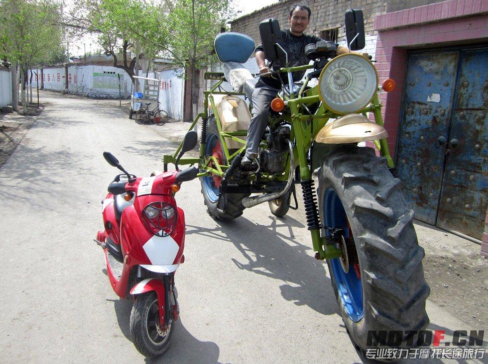 新疆维族小伙自制巨无霸摩托 『 摩托车资料及