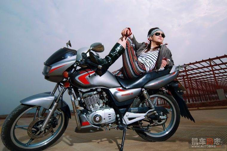 发几幅好酷的机车美女图片让大家欣赏 『 摩托